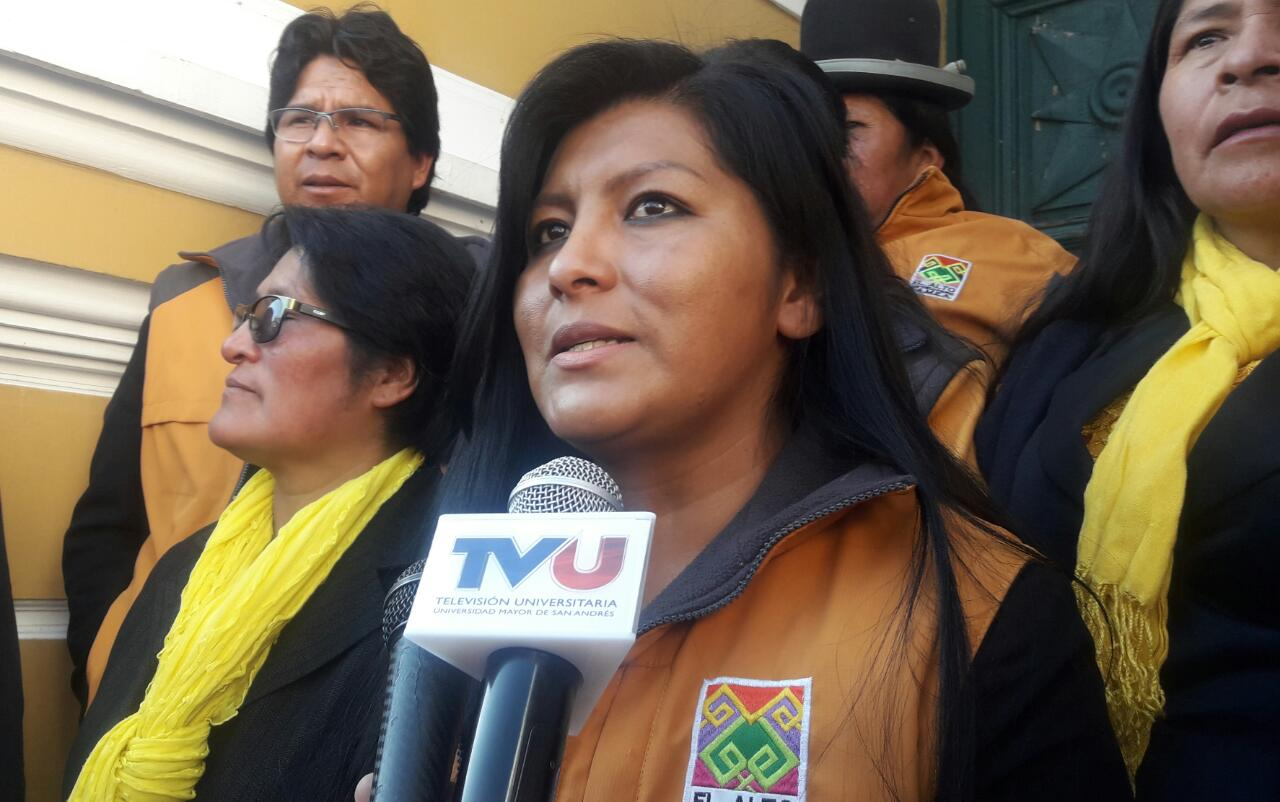 La alcaldesa de El Alto presenta proyecto de ley para la castración química