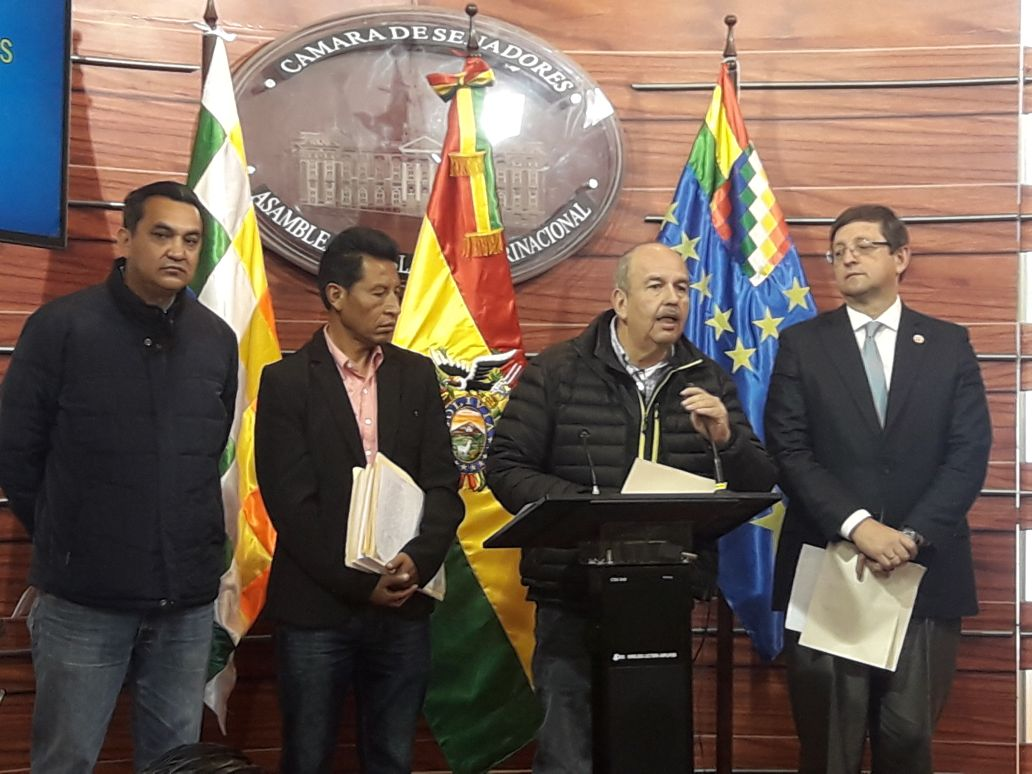UD denuncia el gasto innecesario de Bs 250 millones en viajes de Morales