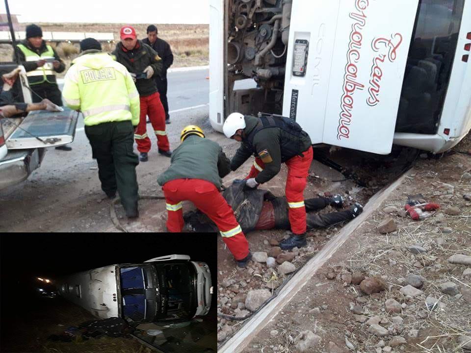Vuelco lateral de un bus deja cinco muertos y varios heridos