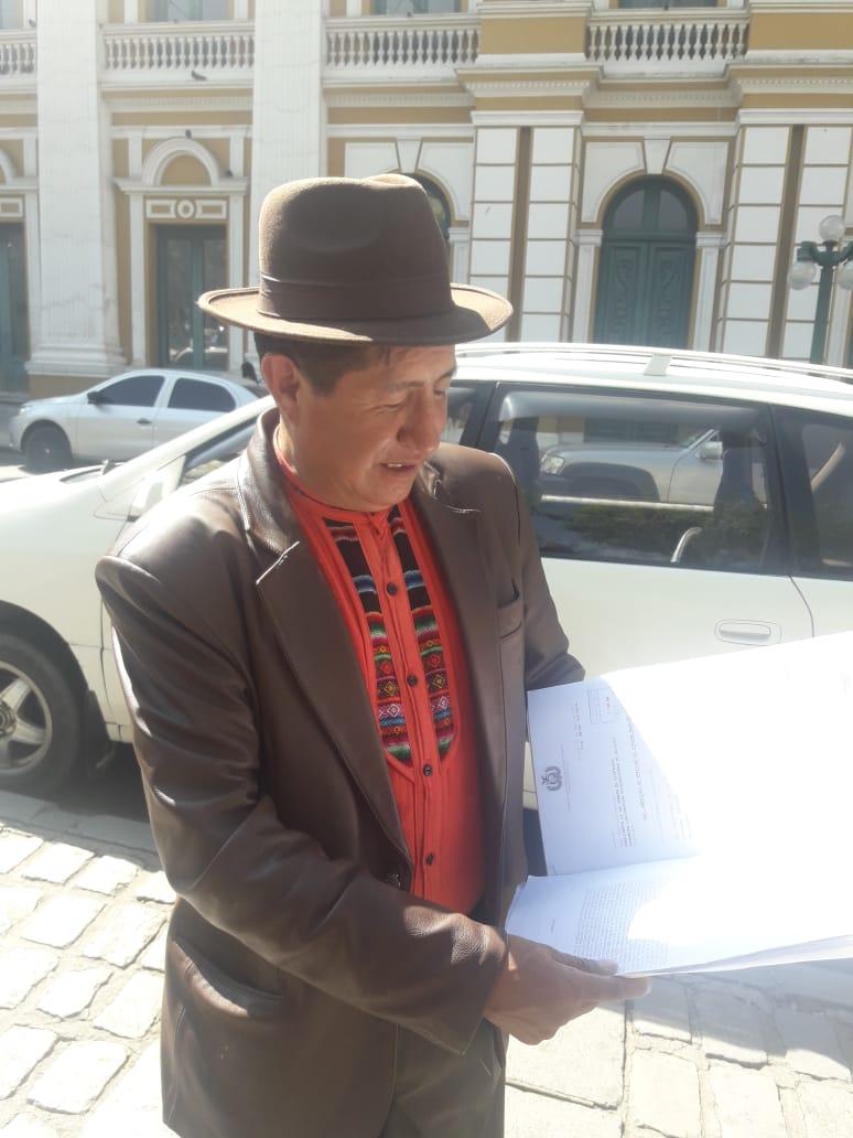 Diputado Quispe ampliara denuncia en el caso Alexander contra ministro de justicia y Cocarico