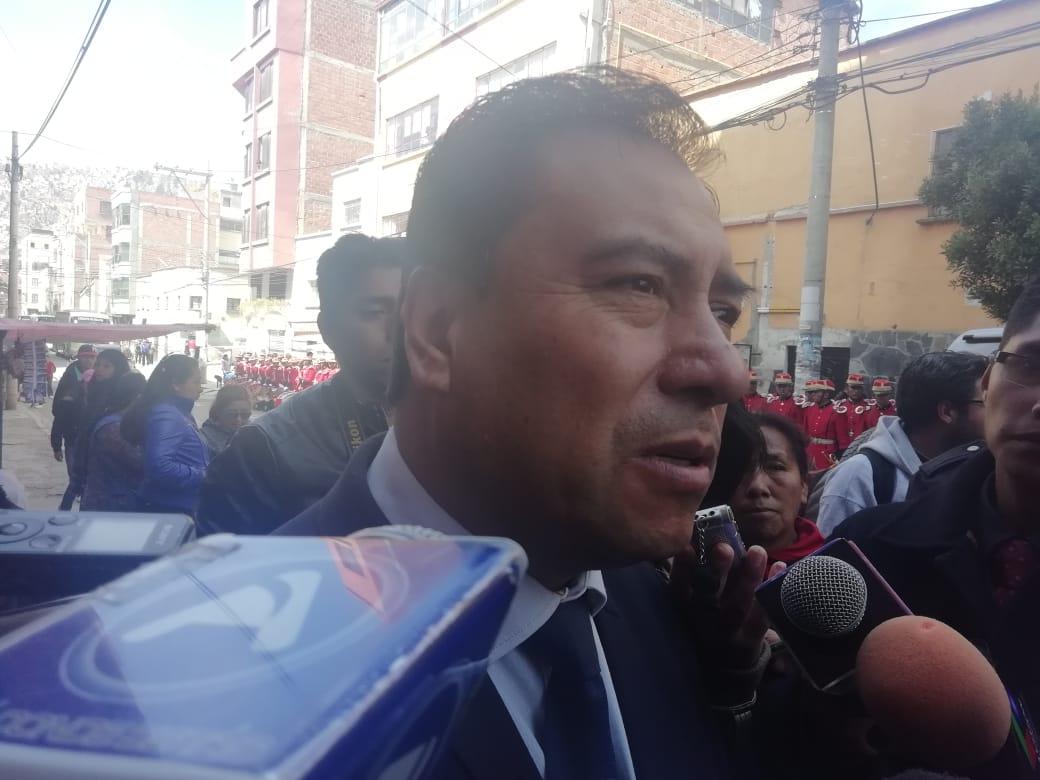 Ministerio de Salud aclara que el tratamiento gratuito de radioterapia es para todos los bolivianos