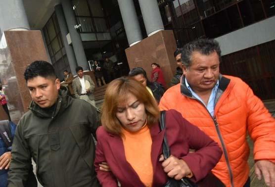 Suspenden la audiencia cautelar de la exjueza Patricia Pacajes por falta de defensa legal
