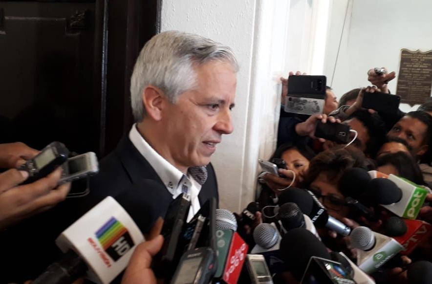 Vicepresidente califica de patética y bochornosa las alianzas de viejos políticos