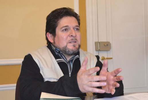 Vocal Exeni del Tribunal Supremo Electoral presenta su renuncia irrevocable a su cargo