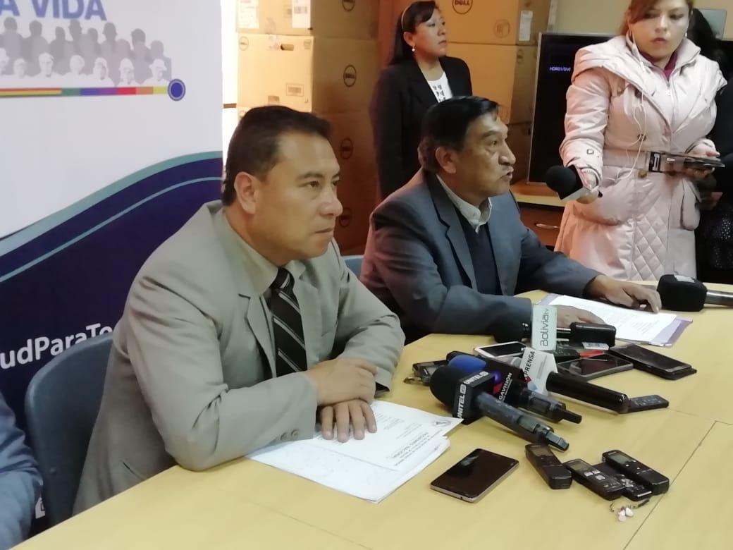 El ministro de Salud no descarta ir al paro y se encuentra a la espera de propuestas del Colegio Médico