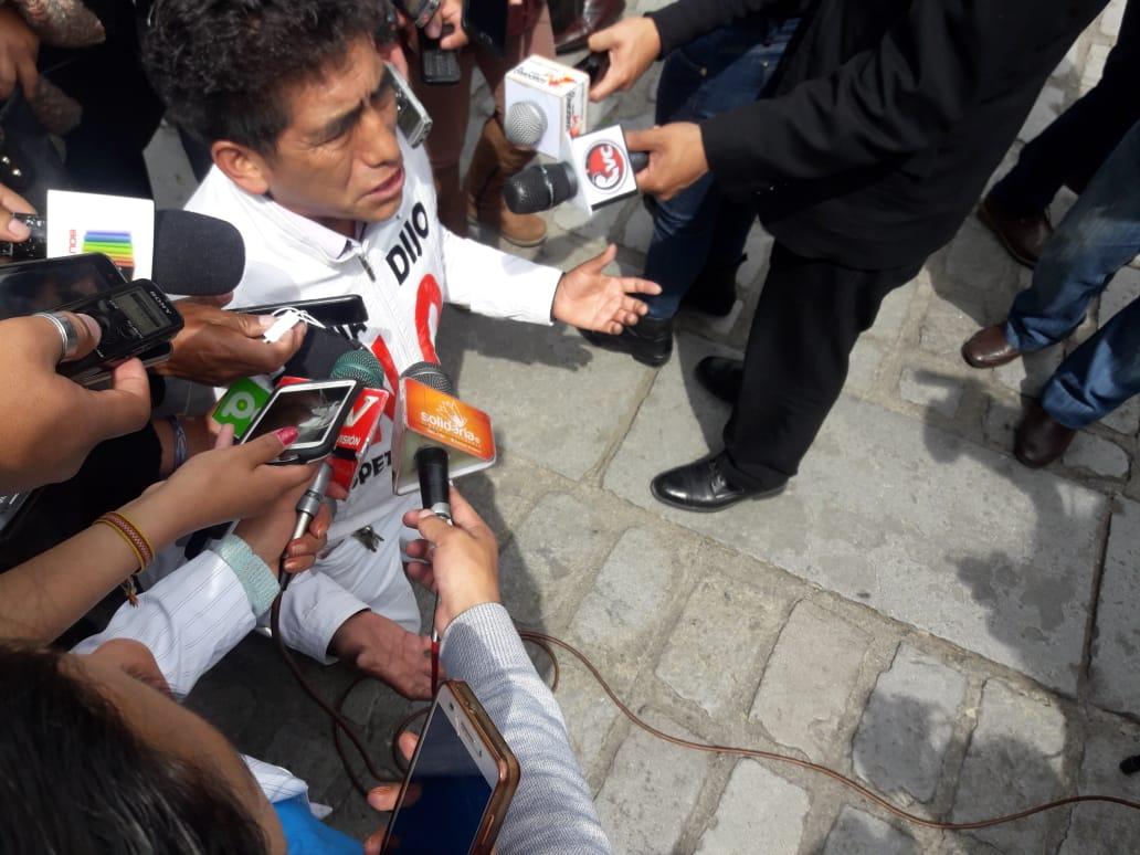 """Activista del 21F pidió de """"rodillas"""" a la población participar de la marcha prevista por las plataformas para este 1 de diciembre"""