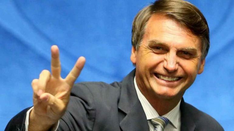 Presidente de Brasil anuncia otro militar como su ministro de Minas y Energía