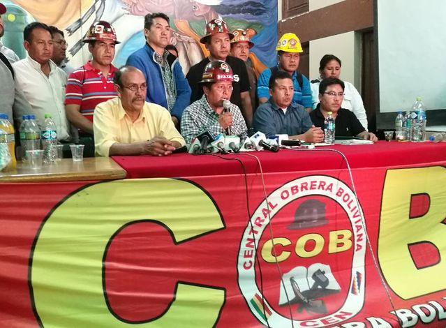 Barrientos acusa a los dirigentes de la COB de solo defender sus sueldos al no poder beneficiarse con el doble aguinaldo