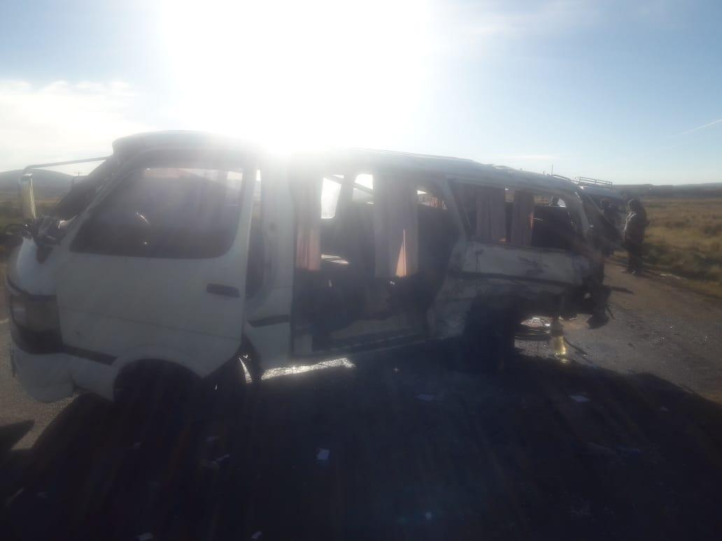 Choque de dos motorizados en camino a Tiahuanaco deja dos muertos y seis heridos
