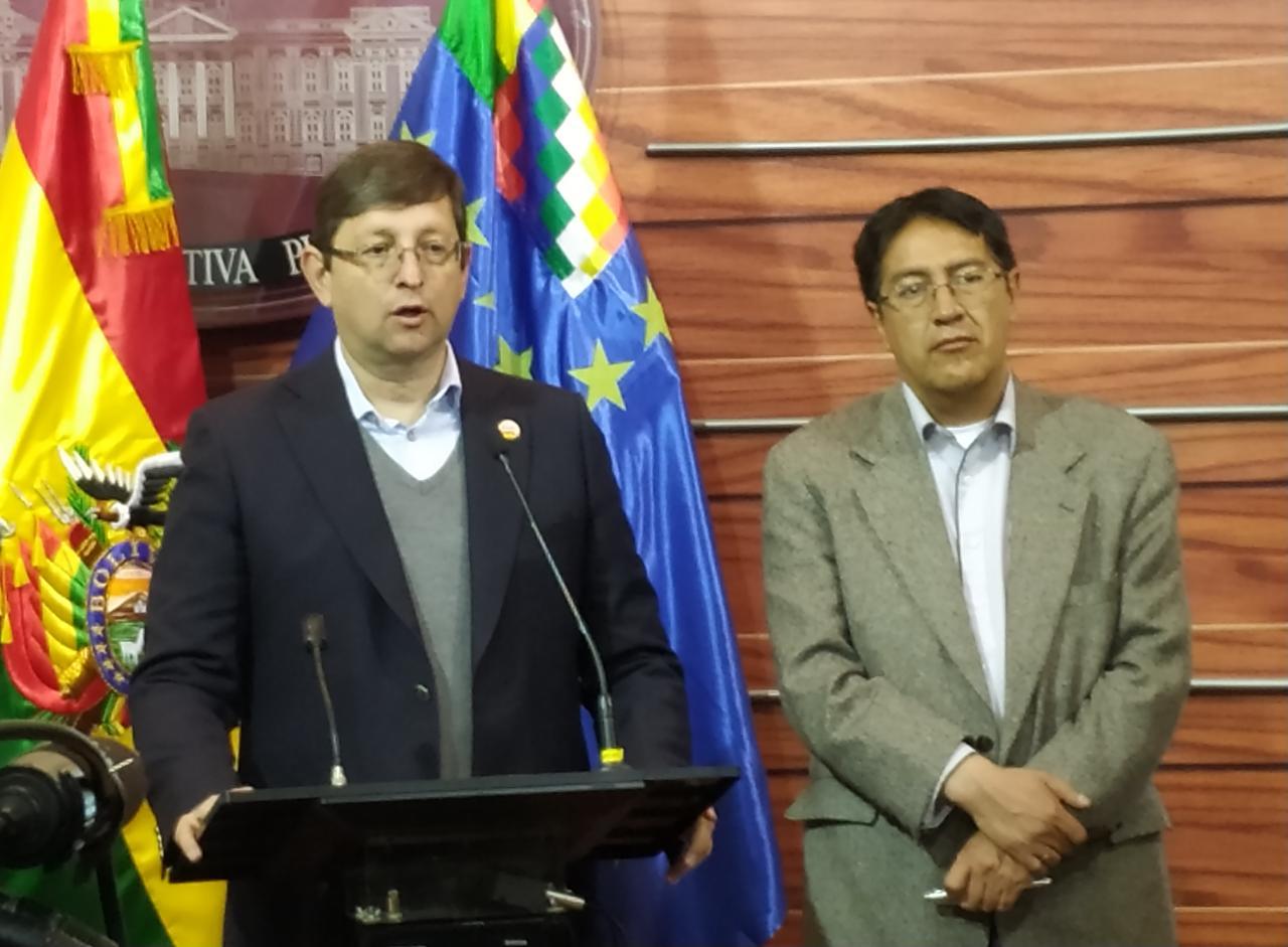 Senador Ortiz informa que el endeudamiento global del estado boliviano es más $us 21 mil millones