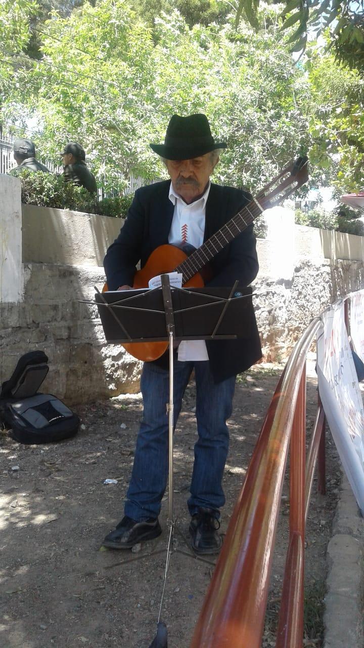 Luis Rico compone tema musical para vocales del TSE que habilitaron re postulación del binomio Evo Morales y Álvaro García Linera.