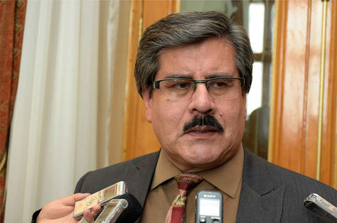 Albarracín señala que la renuncia de Tezanos como Defensor del Pueblo es intranscendente