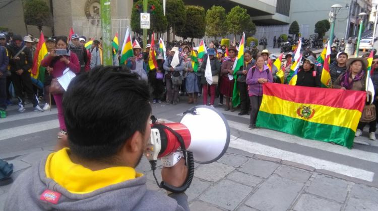 Ex trabajadores de Huanuni exigen tener una audiencia con el presidente para obtener fuentes de trabajo