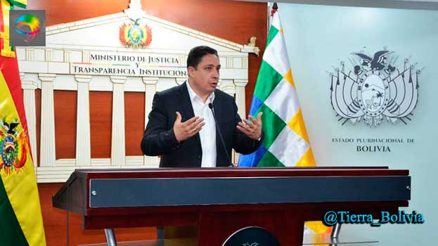 Ministro de Justicia pide la inmediata destitución de los cómplices del abogado Jhasmany Torrico