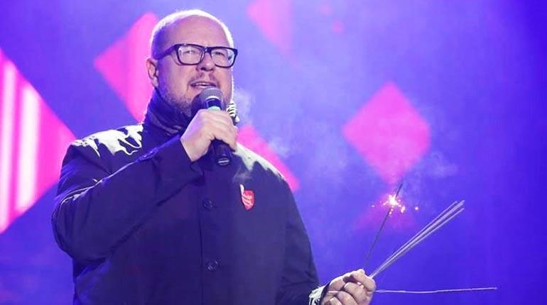 Muere Alcalde polaco tras recibir puñaladas durante un concierto