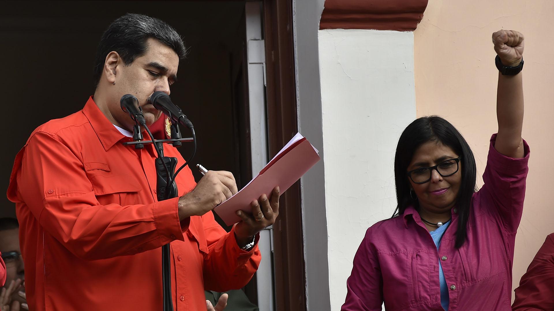 Nicolás Maduro: «He decidido romper relaciones diplomáticas con Estados Unidos»