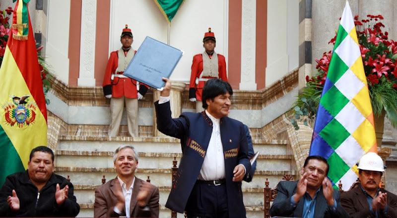 Según el Comité Cívico el presidente Morales hablaría los idiomas aymara y quechua