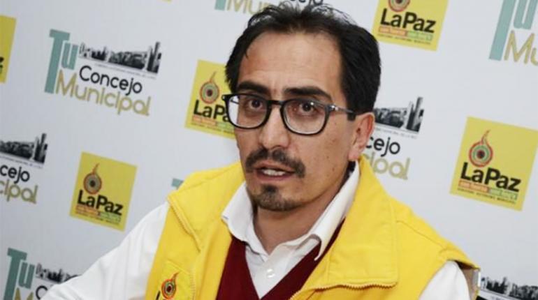 Concejal Siñani admite que su esposa trabaja en Tersa, Mesa lo suspende de su puesto en Comunidad Ciudadana
