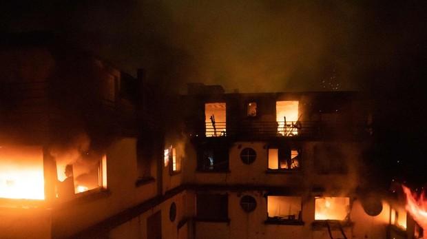 Incendio provocado por una mujer deja al menos 10 muertos en París
