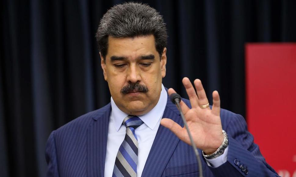Maduro envió una carta al papa Francisco pidiéndole ayuda para facilitar el diálogo con la oposición