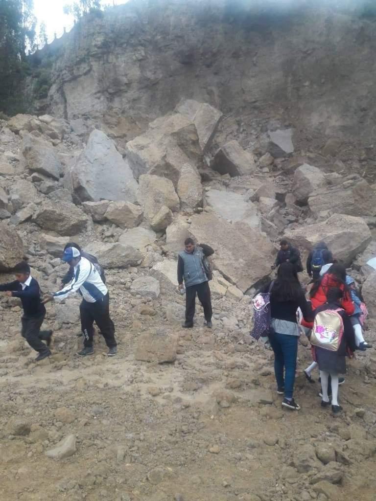 Ministerio de Educación dispone tolerancia para actividades educativas para esta tarde por derrumbe en Mallasa
