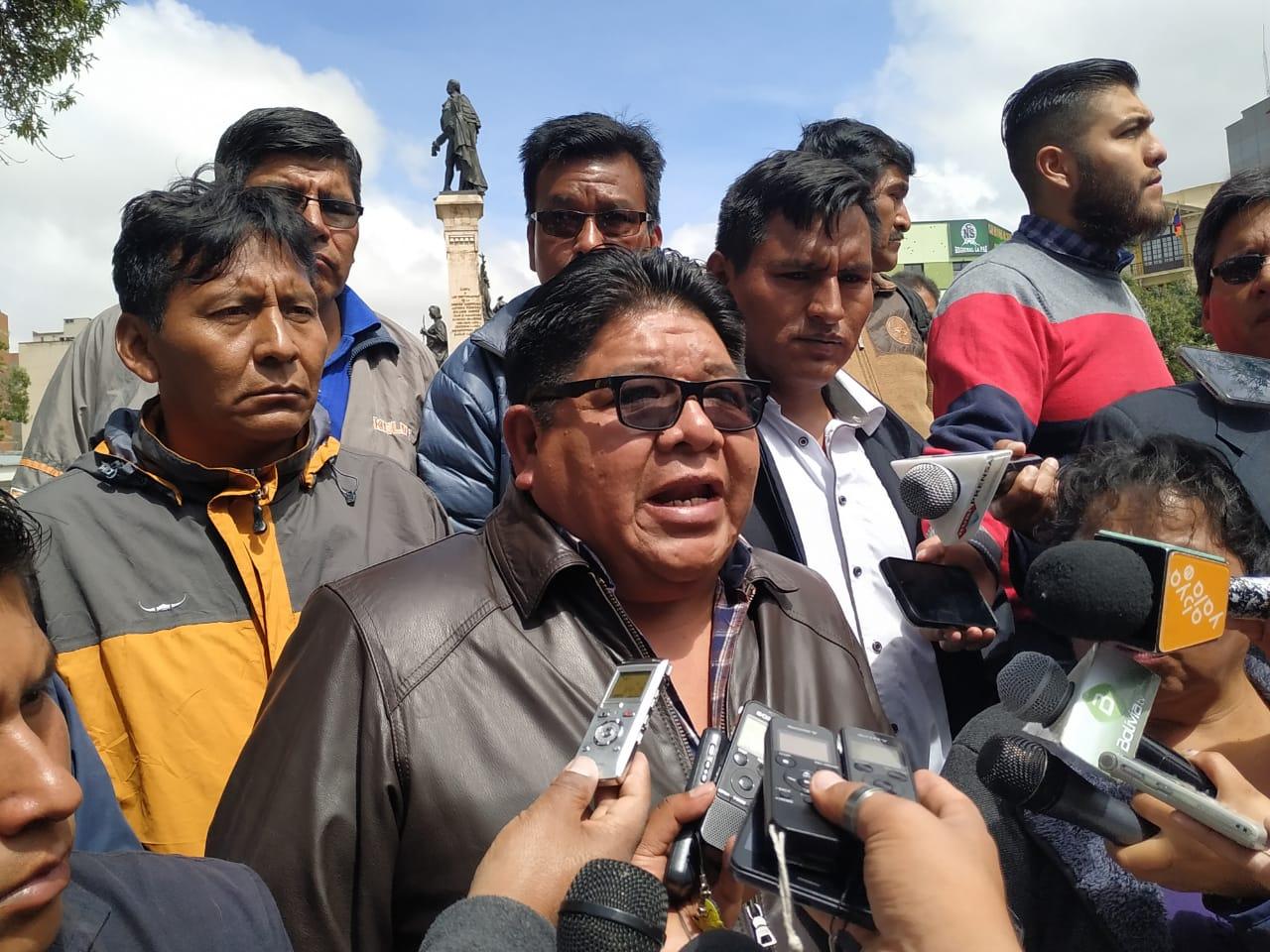 Trasporte Interprovincial de Yungas instruye suspender sus funciones por deslizamientos en Caranavi