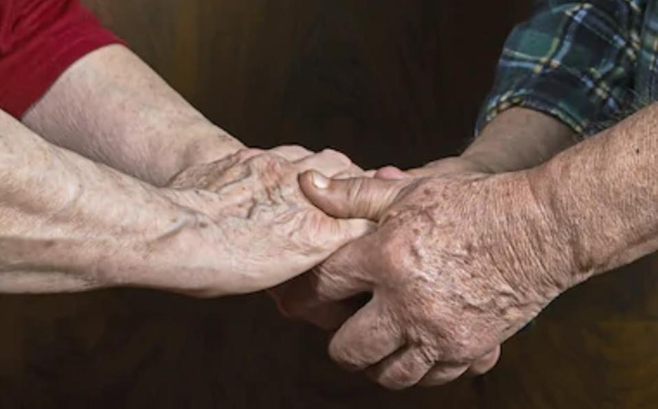 Una pareja de ancianos se quita la vida para no ser una carga en la familia