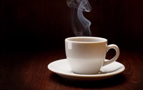 Beber té muy caliente puede duplicar el riesgo de cáncer según un reciente estudio