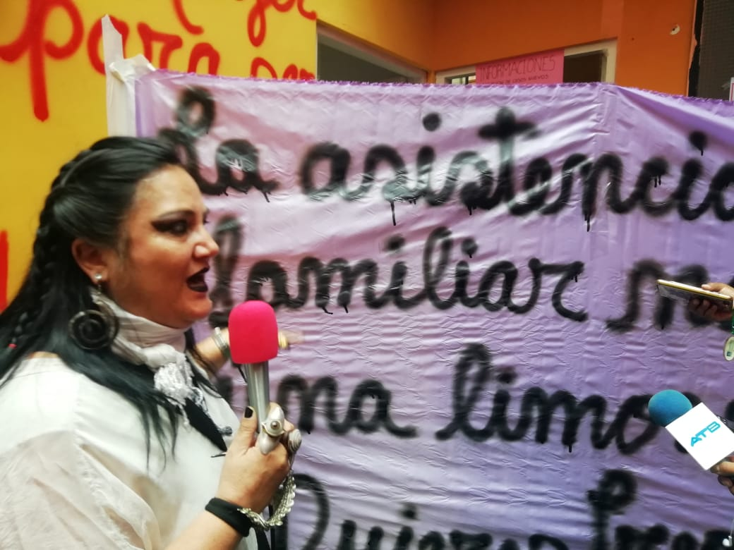 Ex pareja tiene miedo de represalias tras denunciar al Viceministro Machaca por no brindar asistencia familiar a su hijo con discapacidad