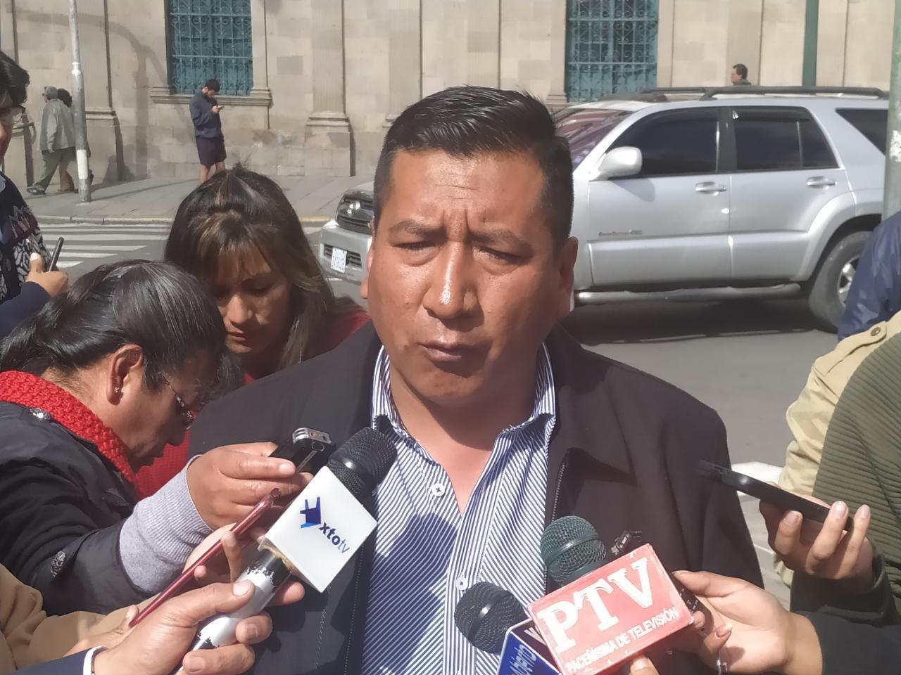 Dirigente de maestros rurales pide investigar al secretario ejecutivo de la COB tras denuncias de un supuesto tráfico de influencias