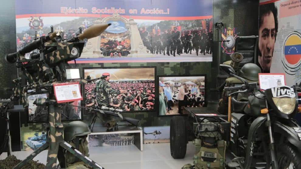Maduro aprueba 56 millones de euros destinados a la fabricación de armas y uniformes militares
