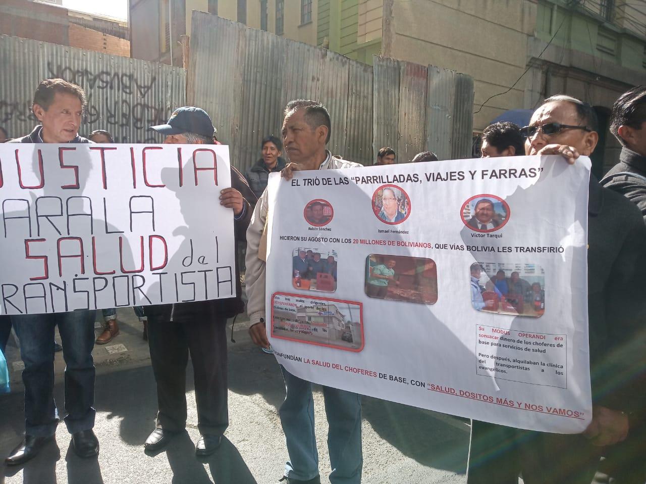 4 sindicatos de chóferes denuncian irregularidades en la investigación de traspasos millonarios de Vías Bolivia