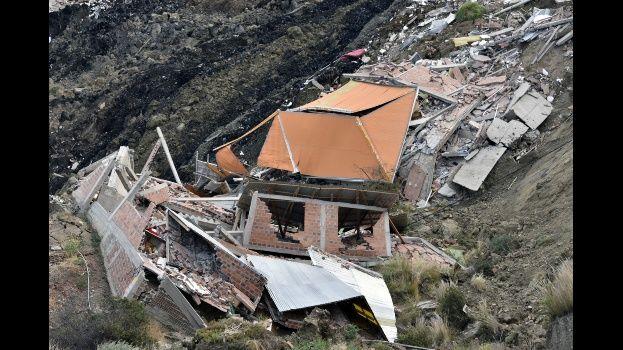 Alcaldía registra a 180 familias damnificadas y cuatro personas desaparecidas tras el deslizamiento en La Paz