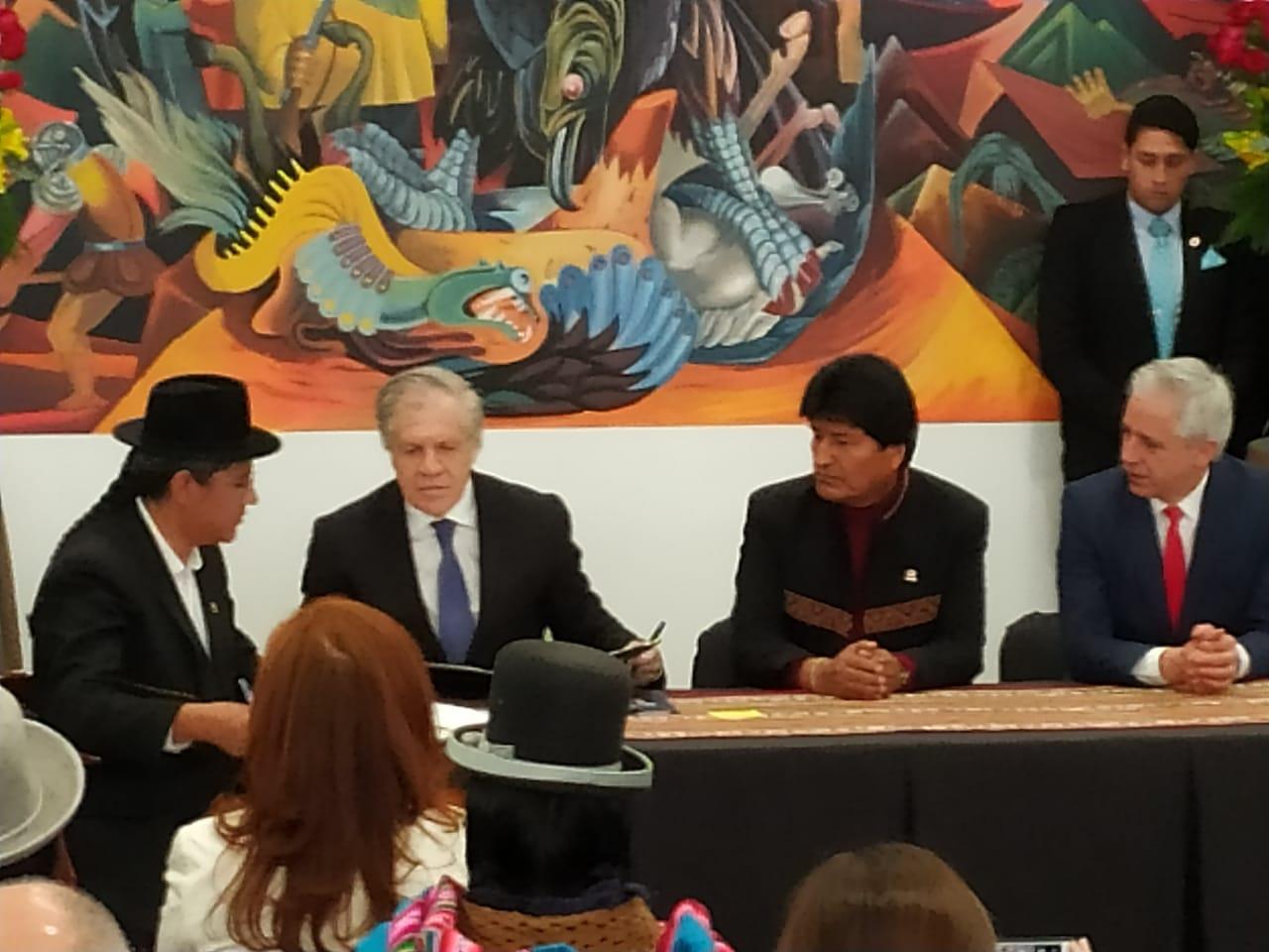 """Almagro considera """"discriminatorio"""" dar su pronunciamiento sobre la reelección de Morales"""