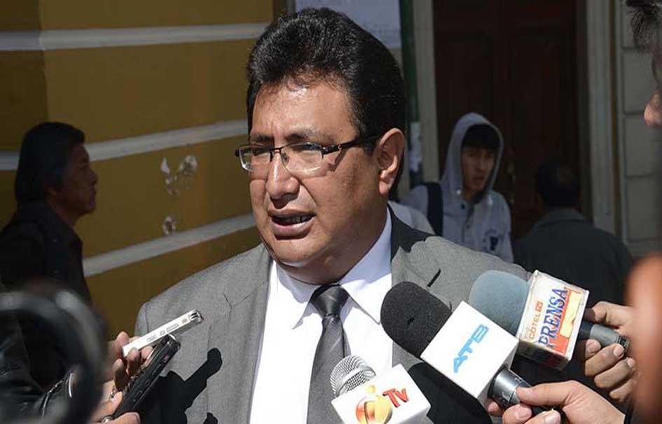 Diputado Barral pide a candidatos con apoyo menor al 10% que declinen su postulación para conformar un bloque único