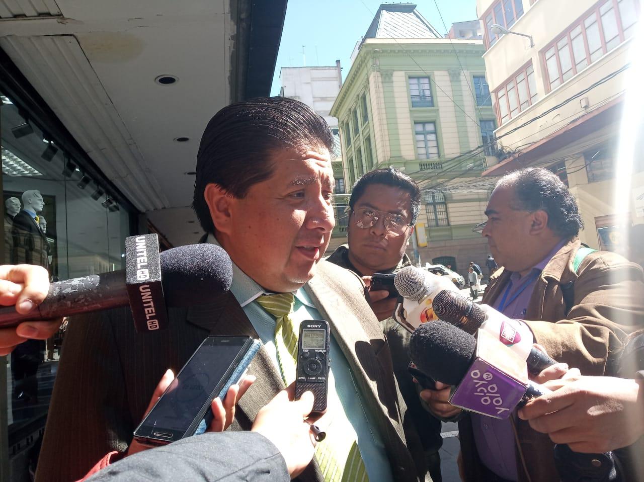 Fiscalía emite una orden de aprehensión contra presunto cabecilla de la red de tráfico de medicamentos
