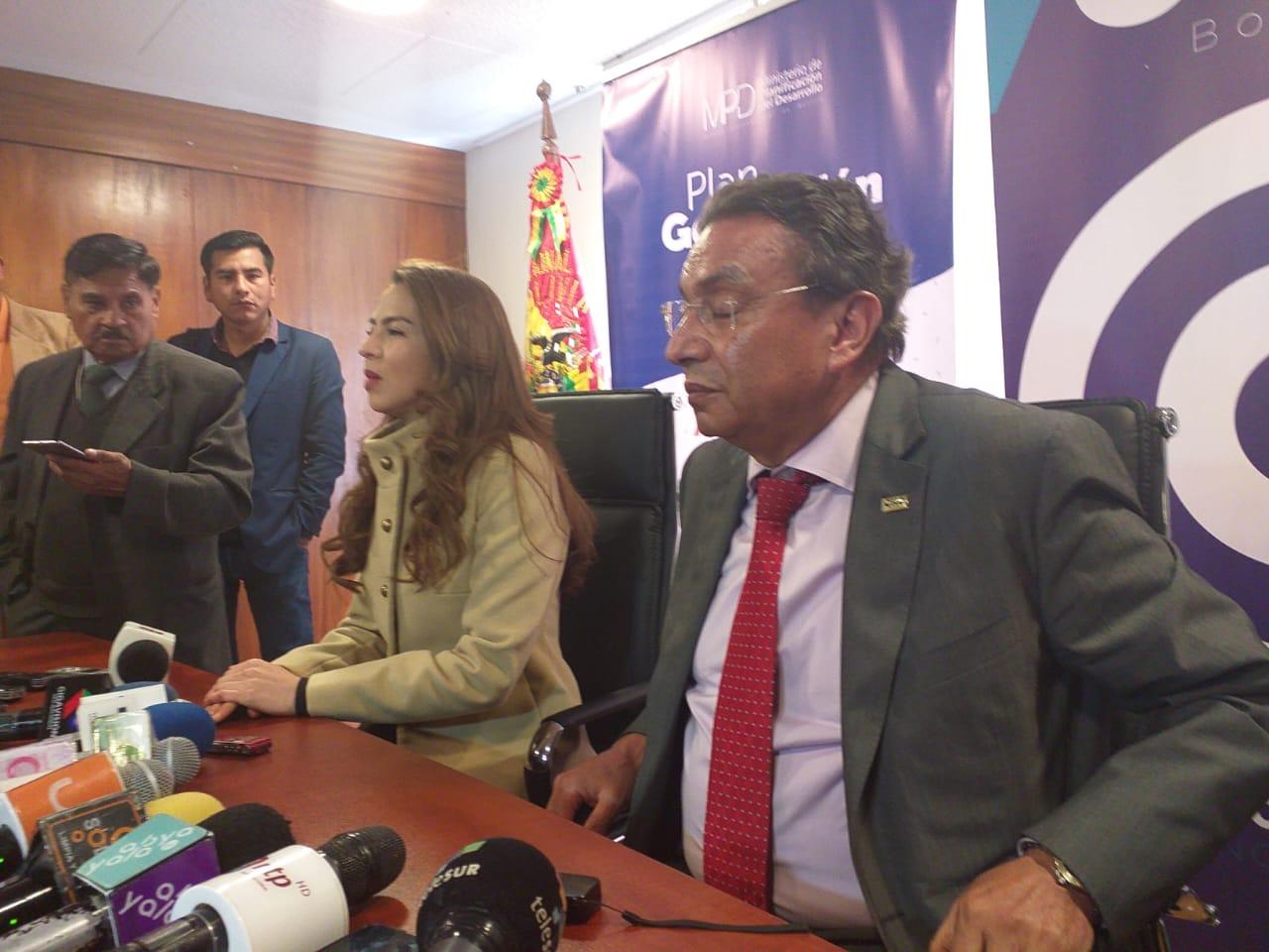 Gobierno y CNC firman acuerdo para promover el plan de generación de empleo