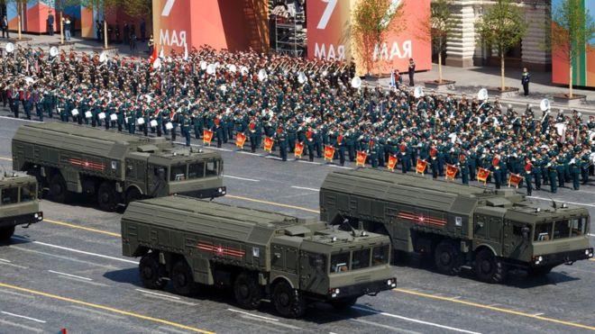Rusia sufre riesgo económico por falta de venta de armamento