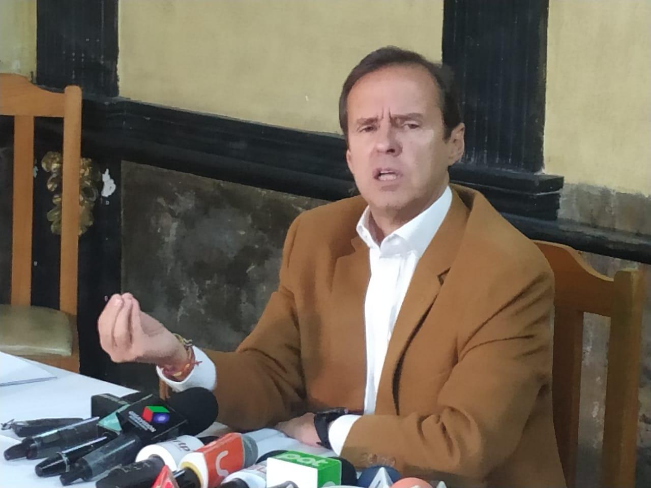 Tuto Quiroga solicita la destitución del ministro Romero por declarar que no conocía a Medina
