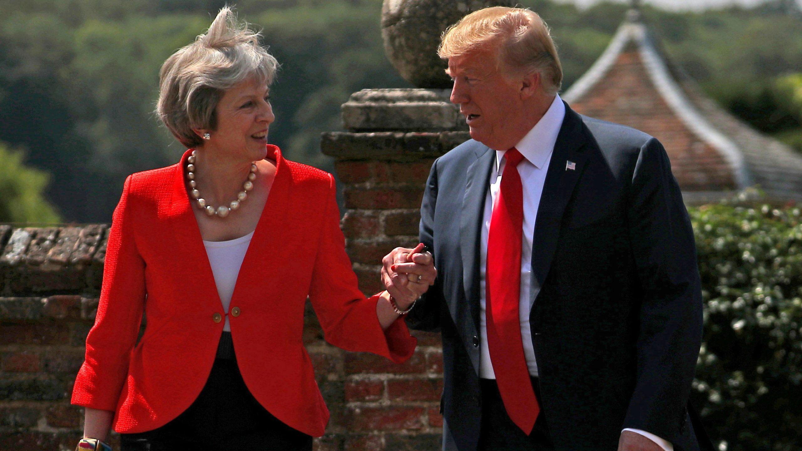 La Reina Isabel II recibió a Trump con una ceremonia pese a las polémicas declaraciones de Trump frente al Betrix