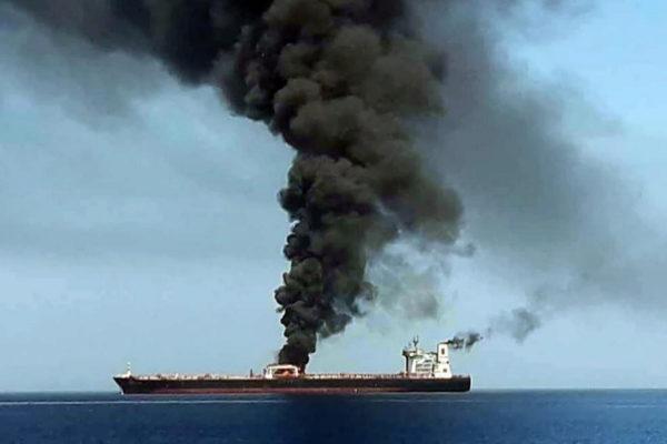 Dos barcos petroleros son atacados en el Golfo de Omán