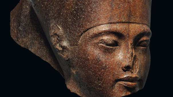 Egipto pide al Reino Unido frenar venta de una escultura de Tutankamón