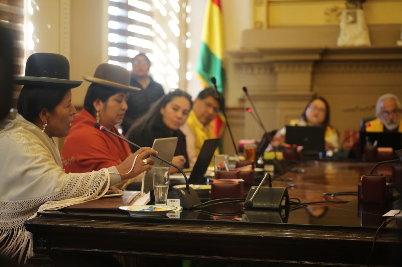 Elección de la directiva del Concejo Municipal se suspende por el voto de Colque contra la postulación de Sol.bo