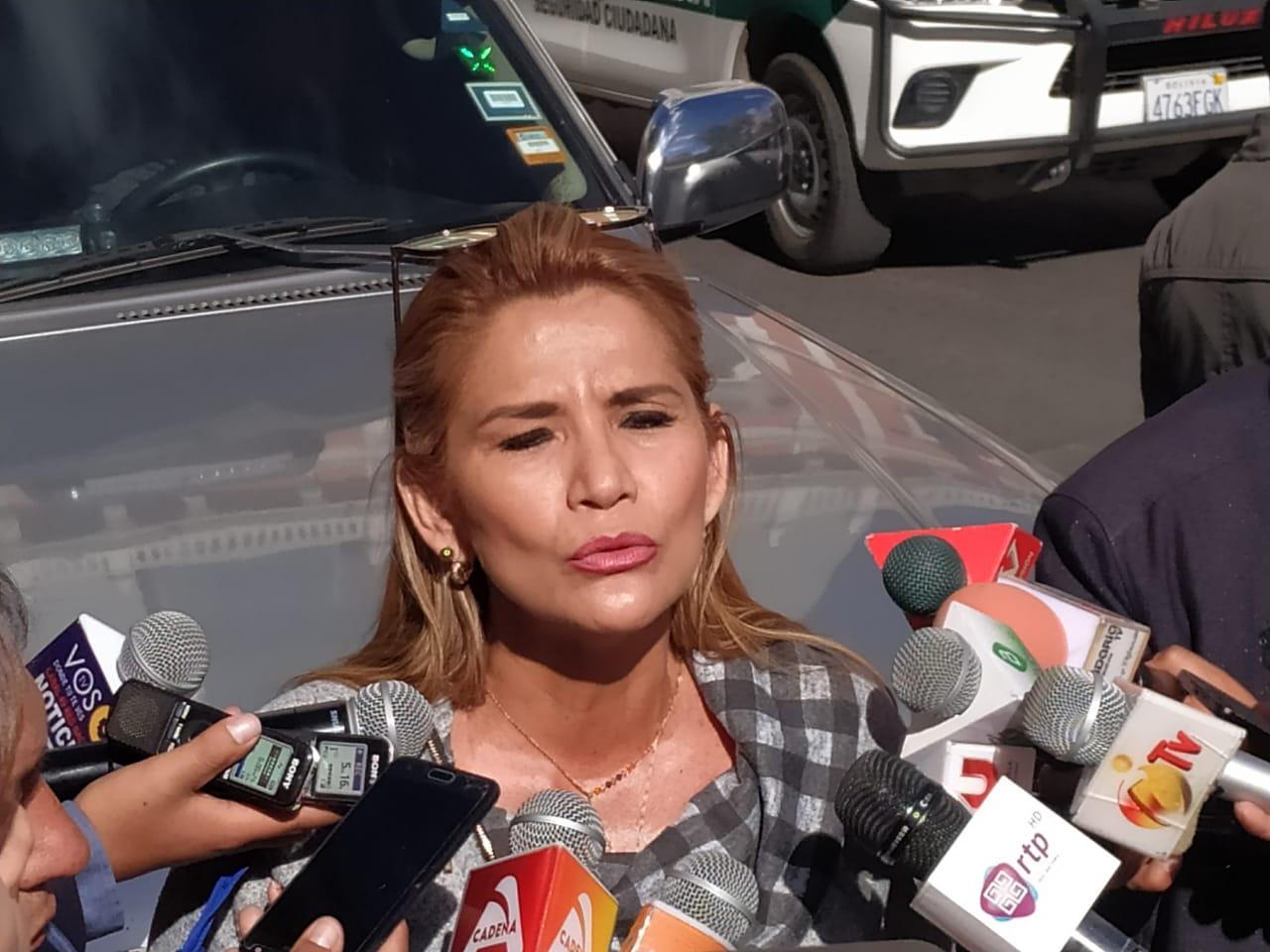 Oposición pide investigar a hija del Fiscal General por contar con un patrimonio de Bs 4.000.000