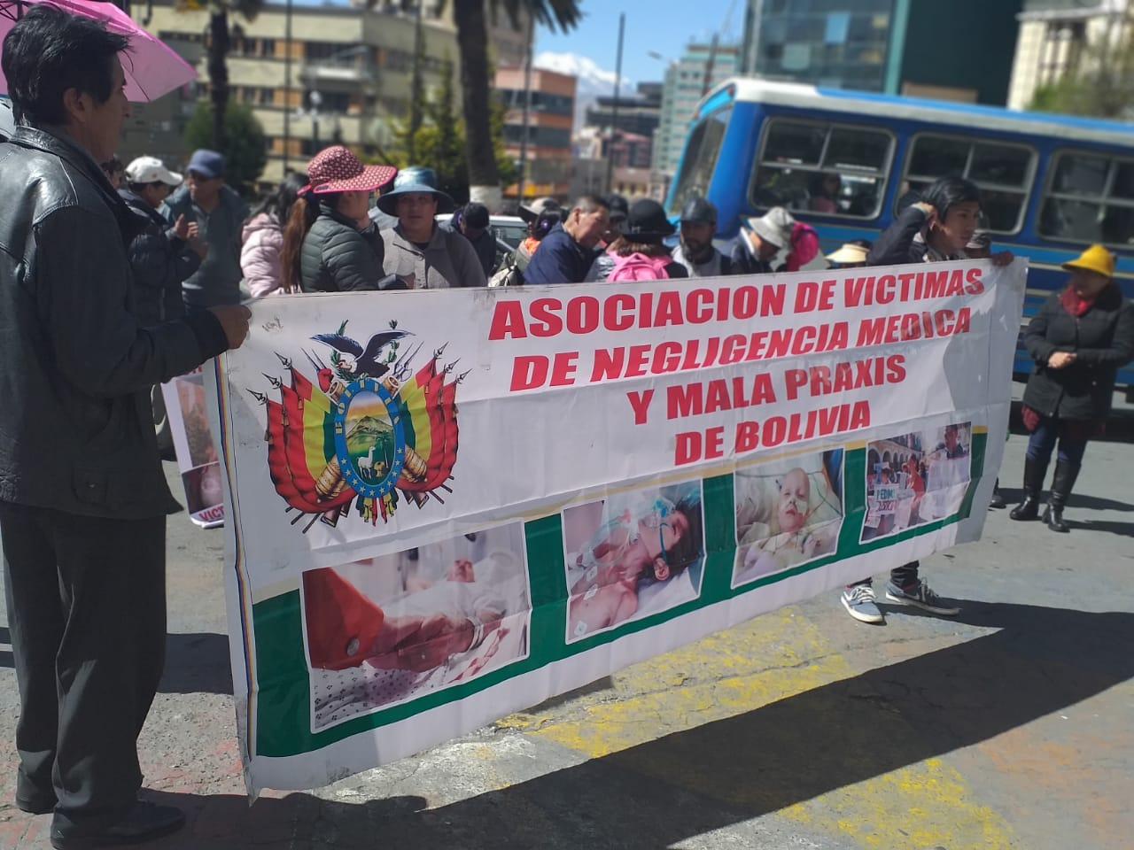Asociación de Víctimas de Negligencia Médica exige reunión con Montaño para tratar un proyecto de ley