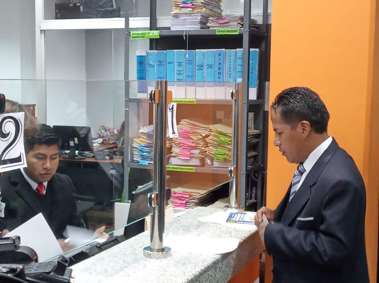 Concejal Condori presenta demanda penal contra el subalcalde del macrodistrito 3 por incumplimiento de deberes