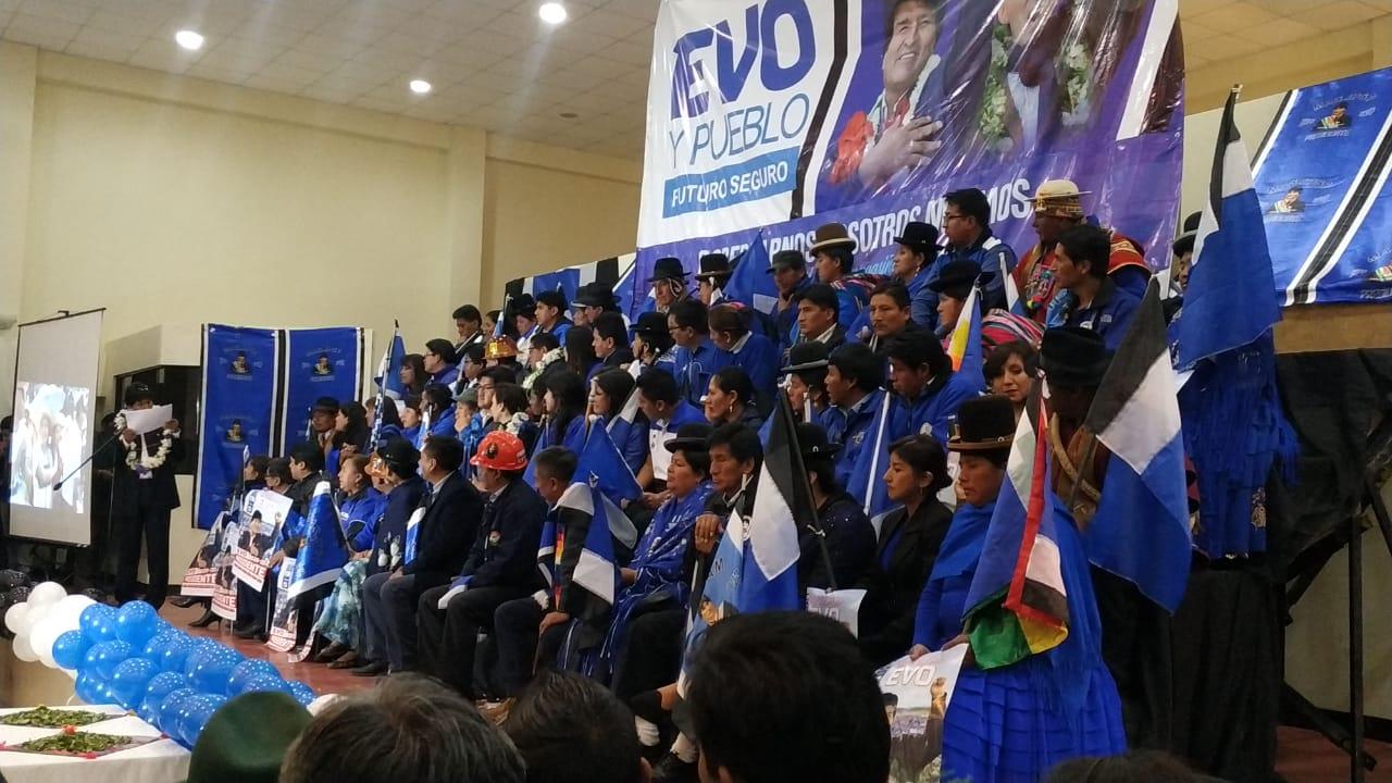 MAS IPSP presenta listas de sus candidatos a senadores y diputados por La Paz