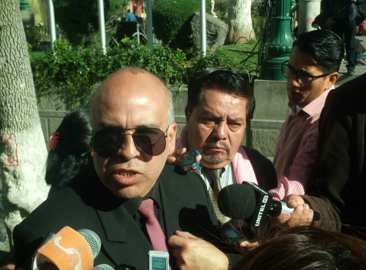 Militantes del MNR solicitan anular la candidatura del binomio de su propio partido