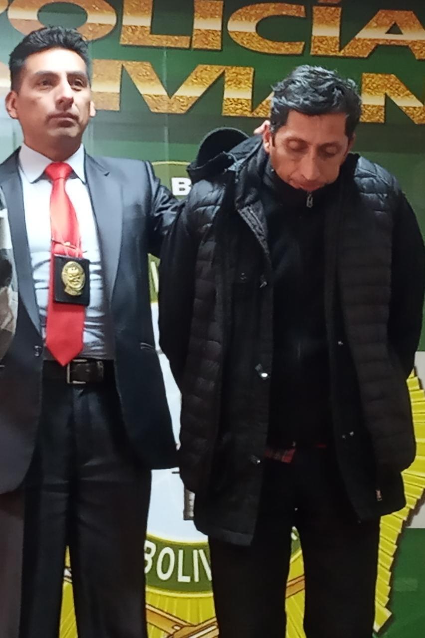 Policía detiene a individuo que mostraba sus partes íntimas a menores de edad en plena vía pública