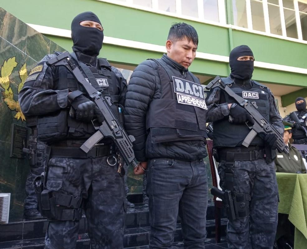DACI Y FELCC aprehenden banda delincuencial involucrada en robos de grandes sumas de dinero